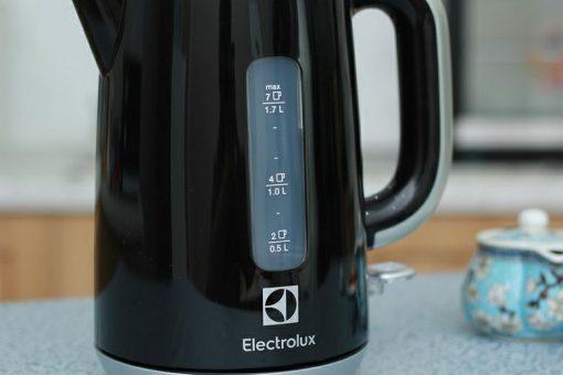 Ấm đun nước siêu tốc EEK3505K 3