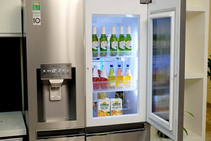 Tủ lạnh có cửa trong suốt